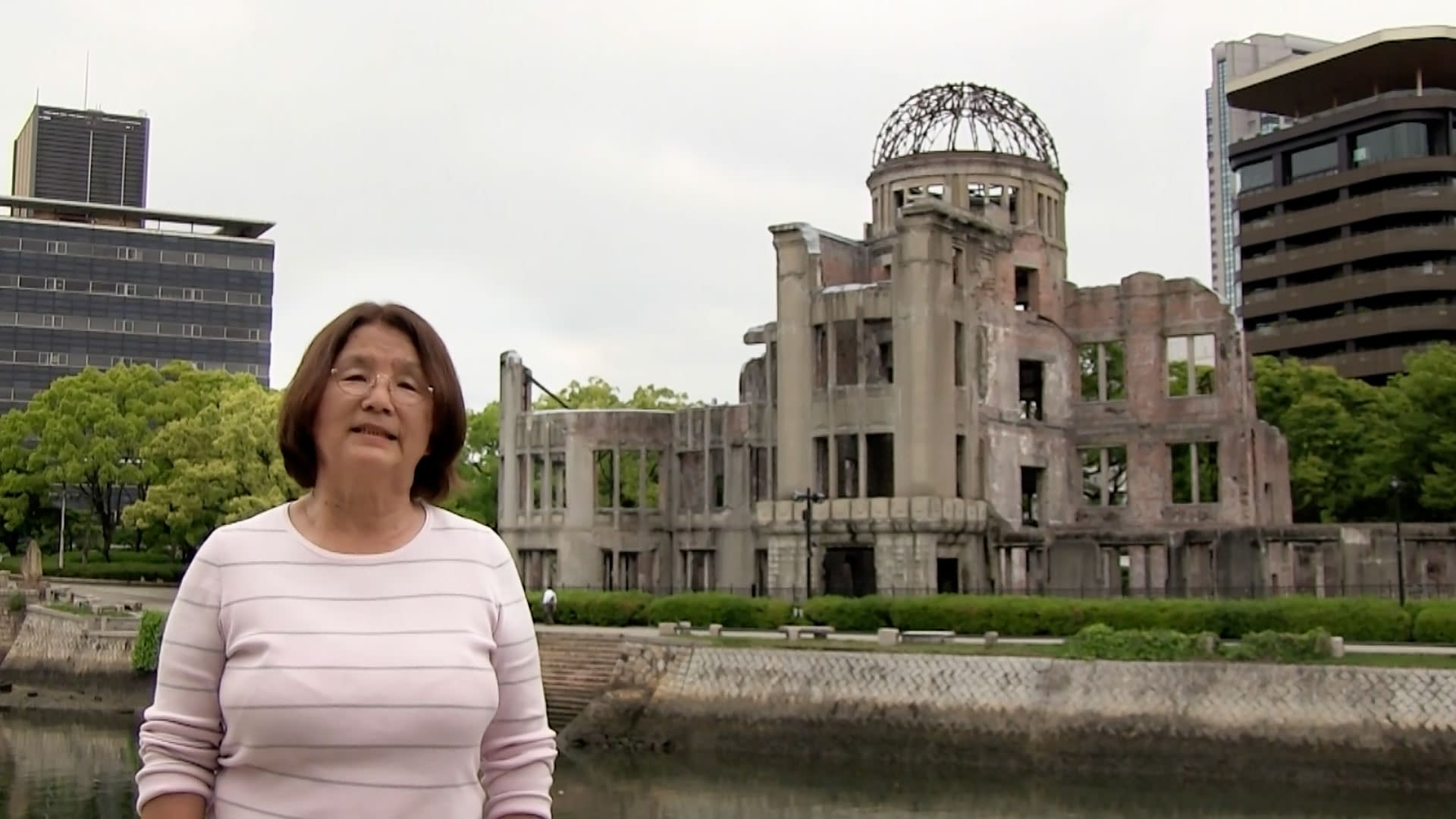 Presentation in front of the A-bomb Dome